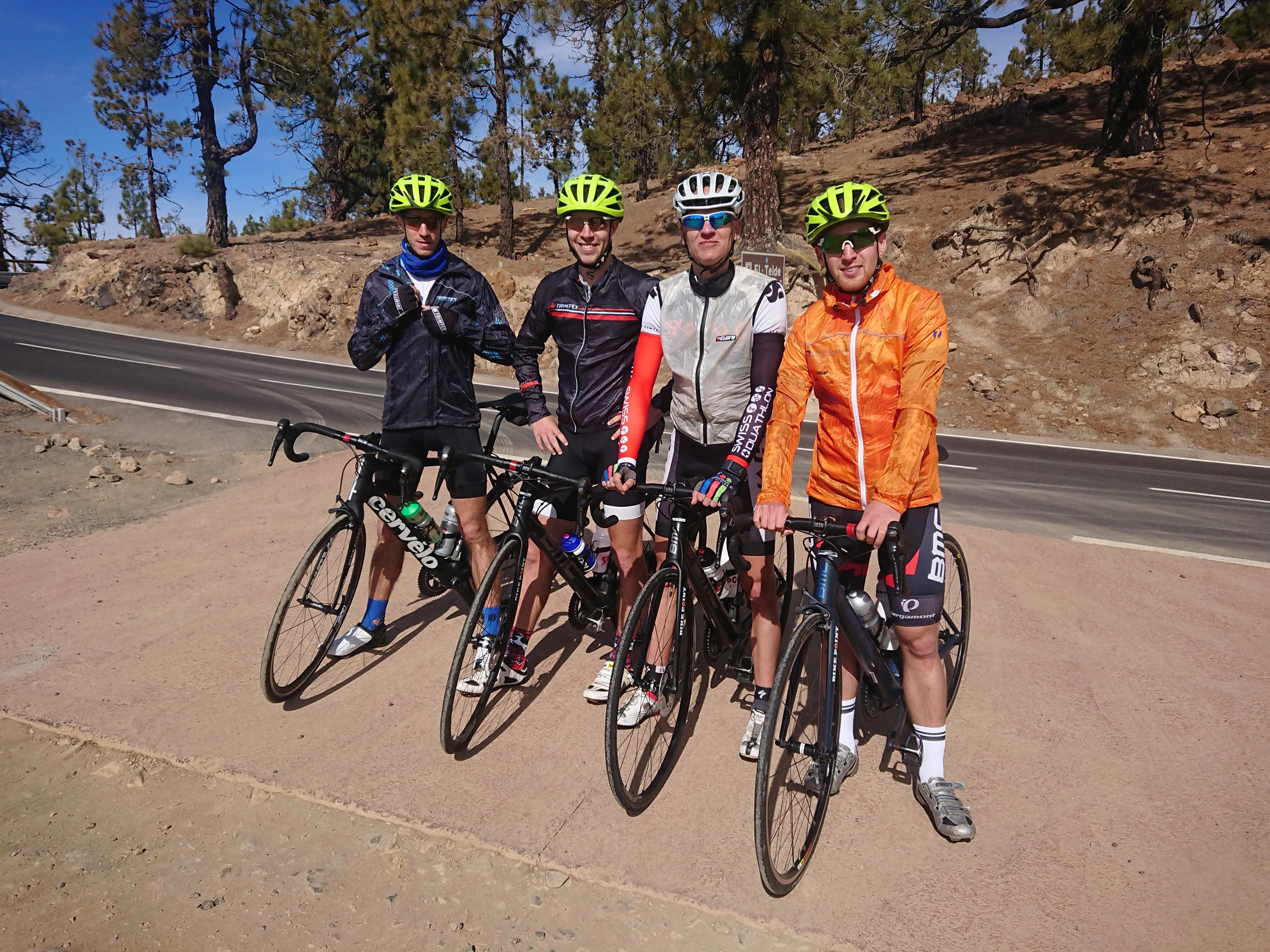 Die Gruppe auf dem höchsten Punkt nach 2'200m Aufstieg