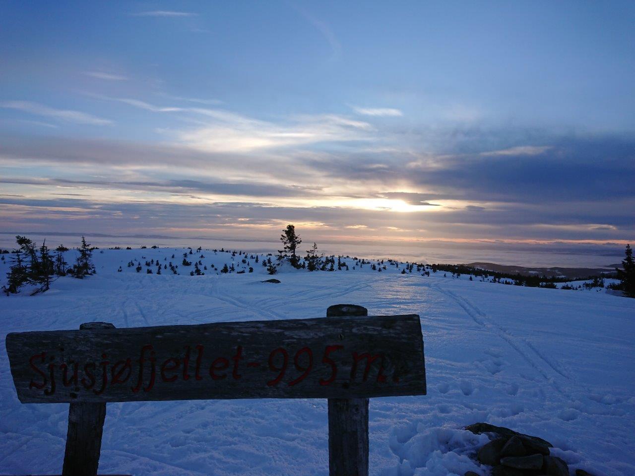 Fantastischer Sonnenuntergang im Norden